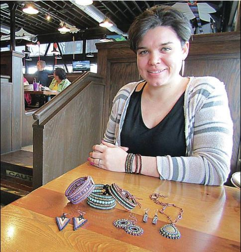 Local artist teaches students importance of Native American culture